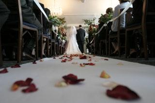 Hogyan válasszunk esküvői öltönyt