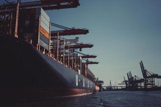 A logisztika és a szállítmányozás